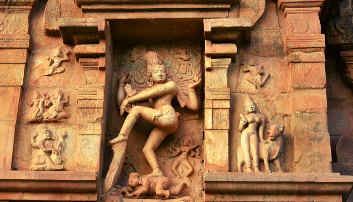 This image has an empty alt attribute; its file name is Gangaikondacholapuram.png