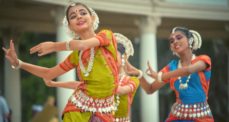 girl kids practising Bharathanatyam