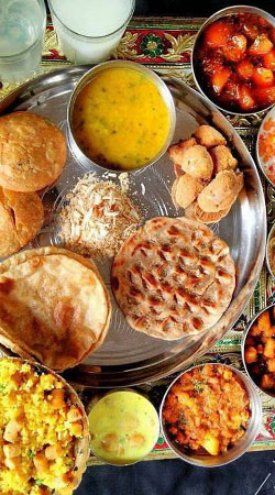 famous-food-central-india