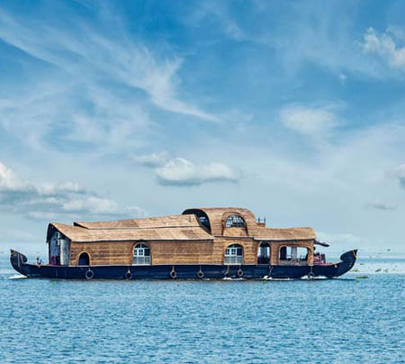 alleppey-backwaters-kerala