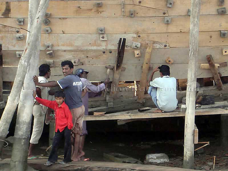 Traditional Boat Building, Mandvi