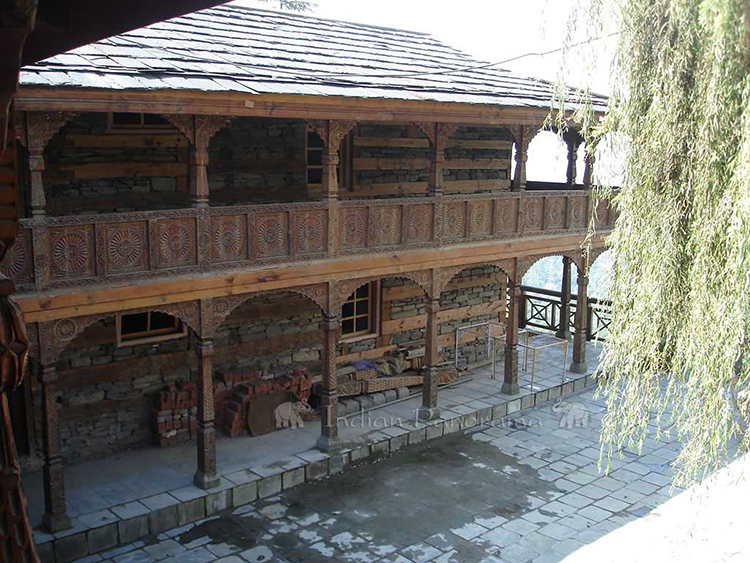 Detailed Naggar Castle House In Manali