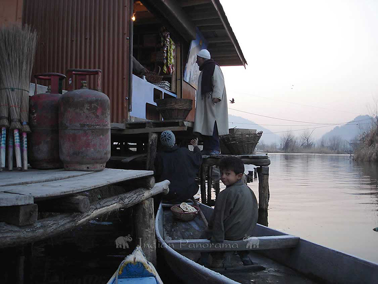Life On Srinagar Dal Lake