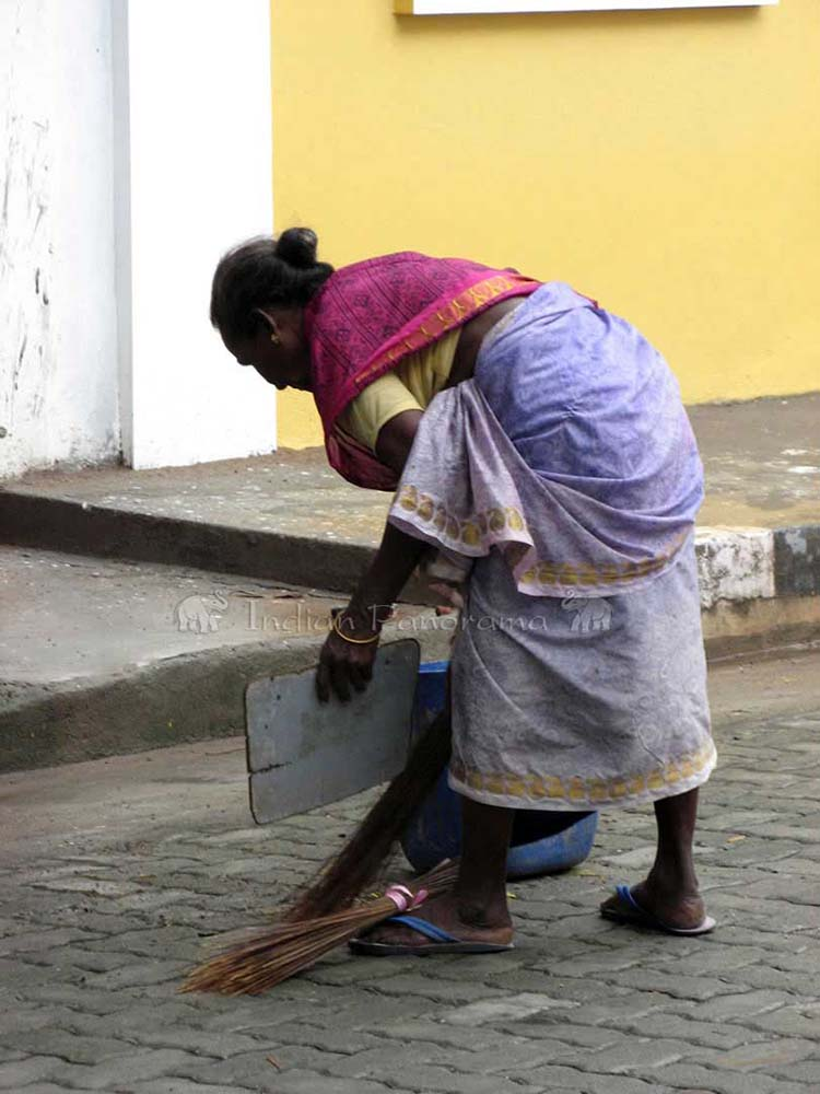 Keeping The Streets Clean In Pondicherry