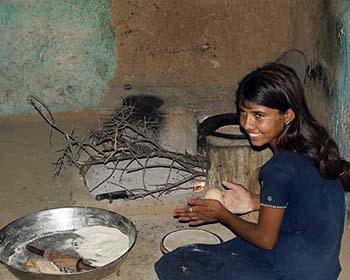 Bishnoi Village Girl Making Chappatis
