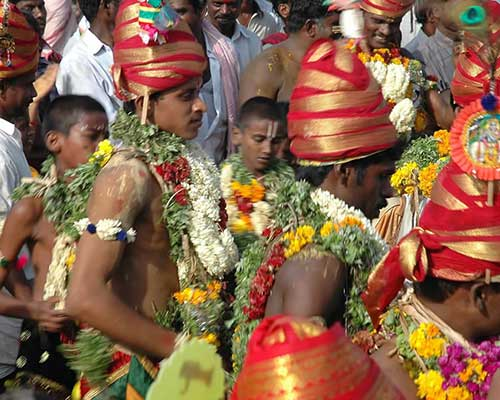 Devotees Tn The Way To Temple