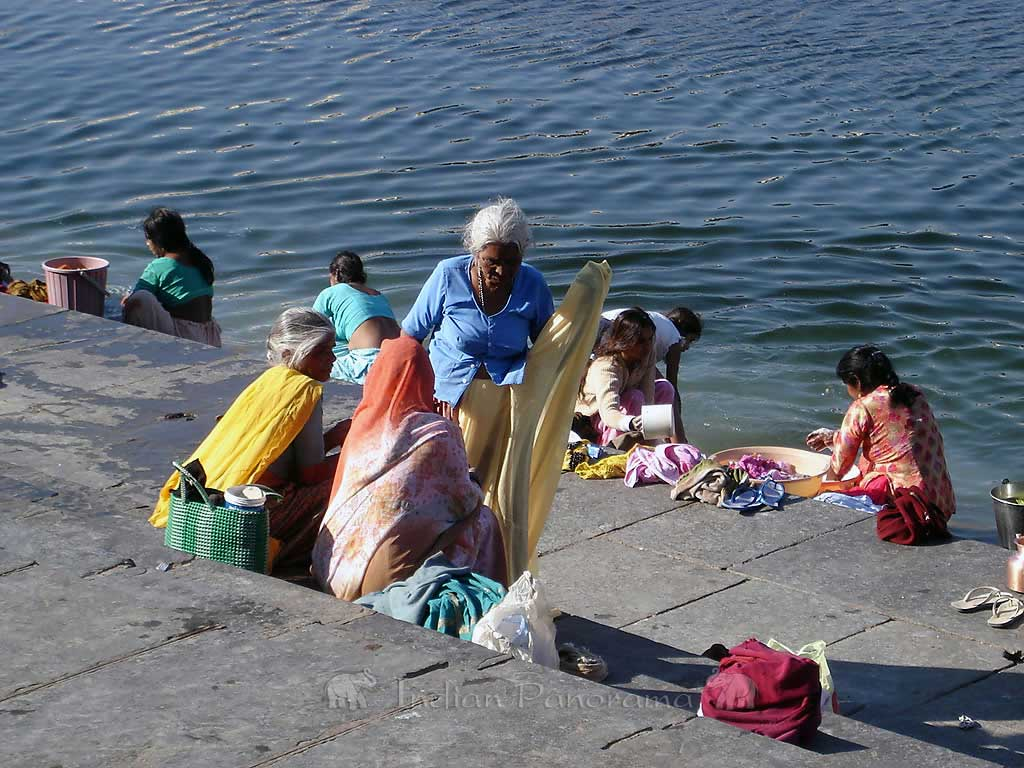 Lake Pichola, Laundry Ghats