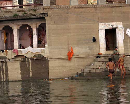 Morning cleansing rituals - Ganges Ghats