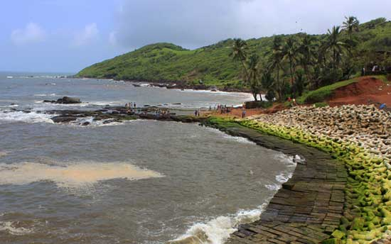 goa-anjuna-beach